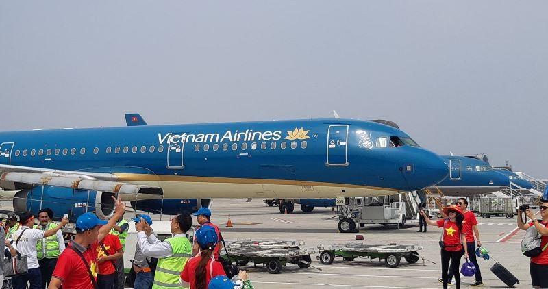 Điều thêm máy bay lớn đưa cổ động viên đi Malaysia cổ vũ - ảnh 1