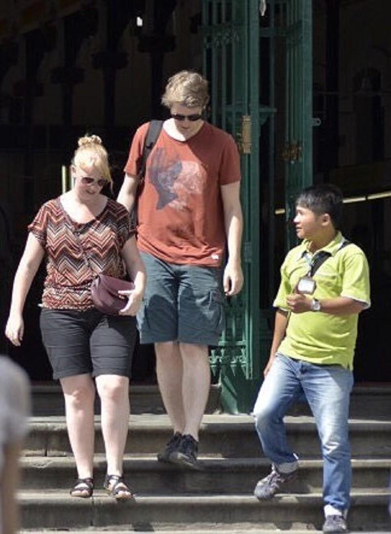 Đừng xem thường hướng dẫn viên du lịch, bắt họ làm chui - ảnh 2