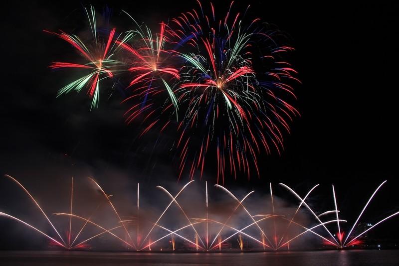 Đội Hồng Kông tái hiện điện ảnh thế giới bằng pháo hoa - ảnh 5