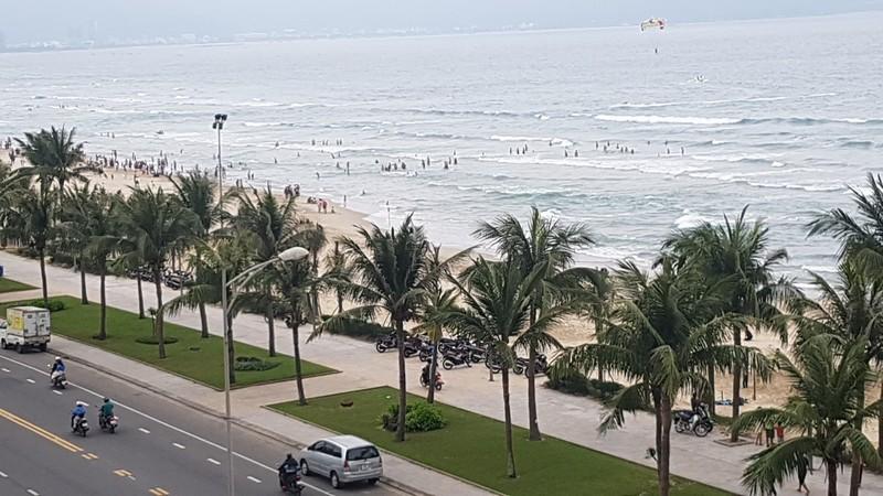 Dân Đà Nẵng lo lắng khi cứ tắm biển là ngứa - ảnh 2