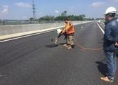 Xem xét dừng thu phí cao tốc Đà Nẵng-Quảng Ngãi vì ổ gà