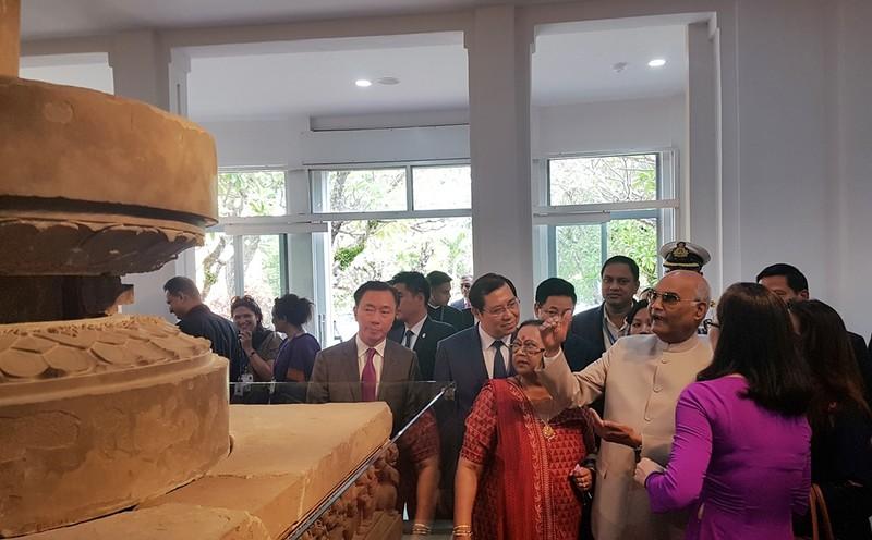 Tổng thống Ấn Độ thăm Bảo tàng điêu khắc Chăm tại Đà Nẵng - ảnh 1