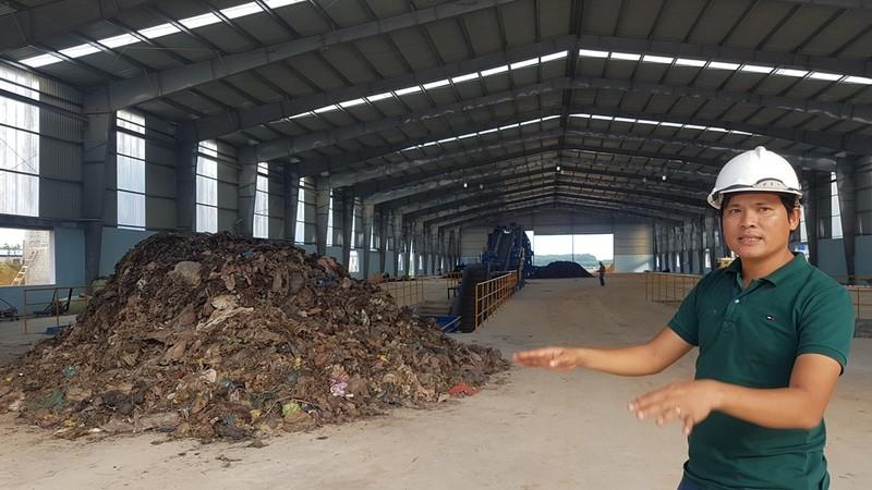 Ông Nguyễn Tấn Pháp cho hay Nhà máy rác Nghĩa Kỳ đã vận hành thử nghiệm từ ngày 15-9. Ảnh: TẤN VIỆT