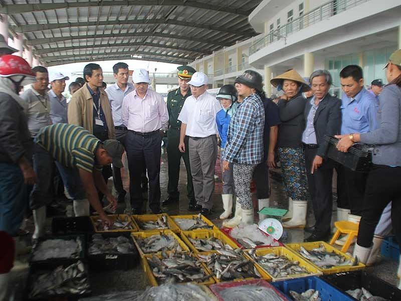 Đà Nẵng xử phạt 130 cơ sở thực phẩm bẩn - ảnh 1