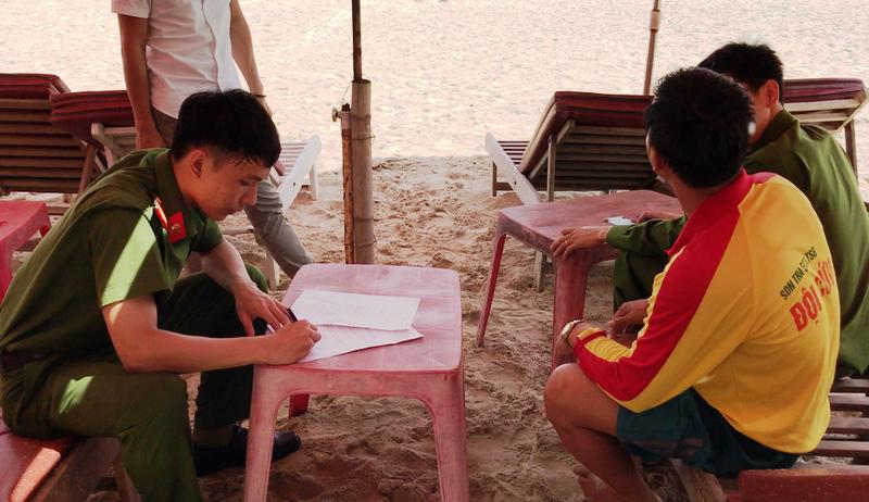 1 du khách Trung Quốc đột tử ở biển Đà Nẵng - ảnh 1