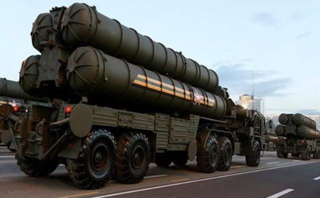 Tên lửa chống máy bay tiên tiến S-400 của Nga, loại vũ khí nhiều đồng minh Mỹ đang thỏa thuận mua của Nga. Ảnh: REUTERS