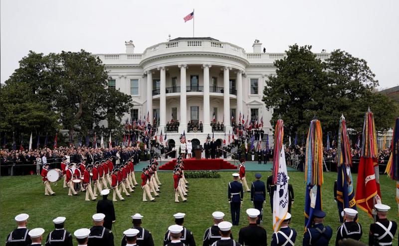 Quang cảnh lễ đón chính thức Tổng thống Pháp Emmanuel Macron tại Nhà Trắng ngày 24-4. Ảnh: REUTERS