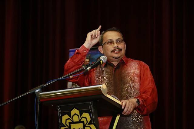 Ủy viên trưởng Ủy ban Chống Tham nhũng Malaysia Dzulkifli Ahmad vừa phải từ chức và sẽ bị điều tra. Ảnh: BUSINESS INSIDER