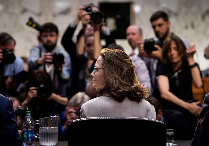 Bà Haspel trong phiên điều trần trước Ủy ban Tình báo Thượng viện Mỹ ngày 9-5, trước đó từng muốn rút khỏi đề cử vì áp lực chỉ trích quá lớn. Ảnh: PITTSBURGH POST-GAZETTE