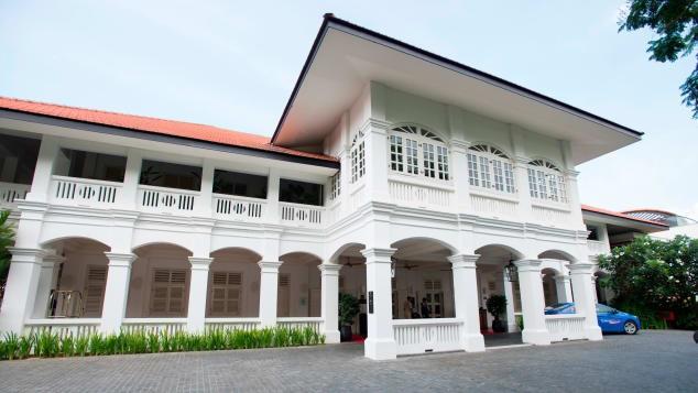 Mặt tiền khách sạn Capella nằm trong khu nghỉ mát Sentosa của Singapore, nơi tổ chức thượng đỉnh Mỹ-Triều. Ảnh: CNN