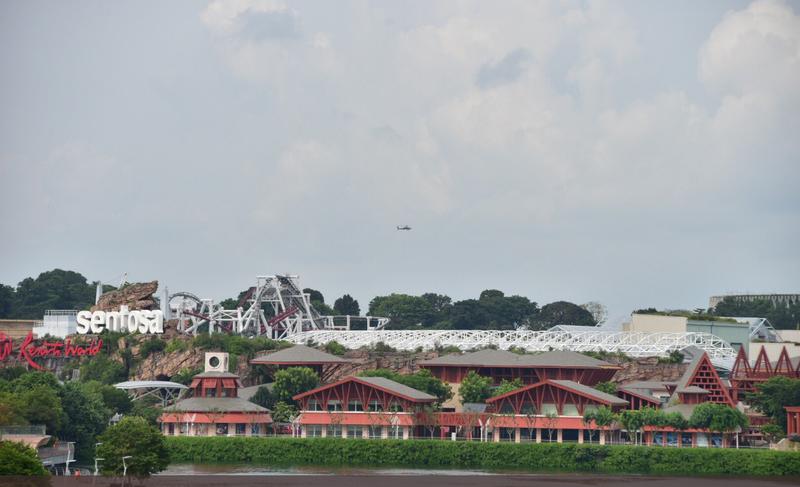 An ninh với hai lãnh đạo Mỹ, Triều Tiên được đặt cao hơn an ninh các nhân vật khác Singapore từng đón. Trực thăng trên bầu trời Sentosa (Singapore) sáng ngày diễn ra thượng đỉnh Mỹ-Triều 12-6. Ảnh: TWITTER