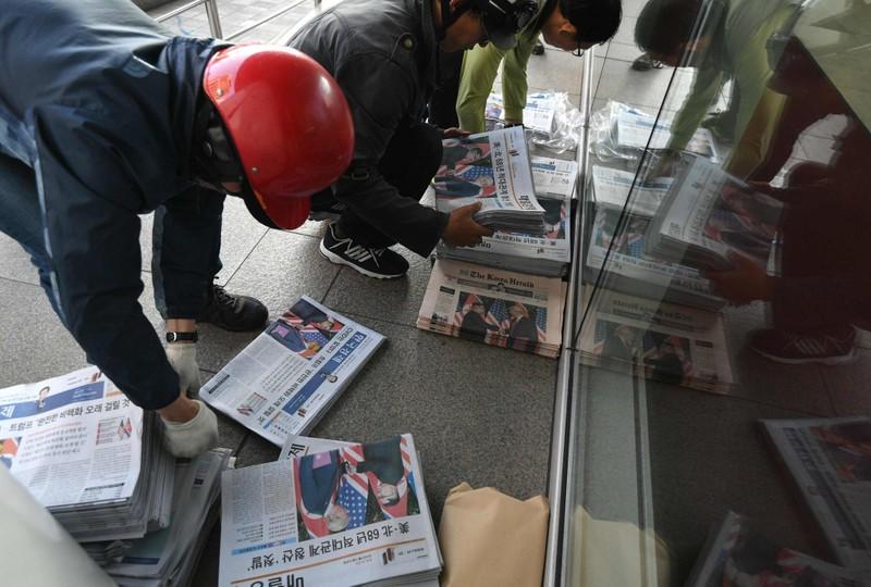 Thượng đỉnh Mỹ-Triều được đưa kín các mặt báo tại Seoul (Hàn Quốc). Ảnh: GETTY IMAGES
