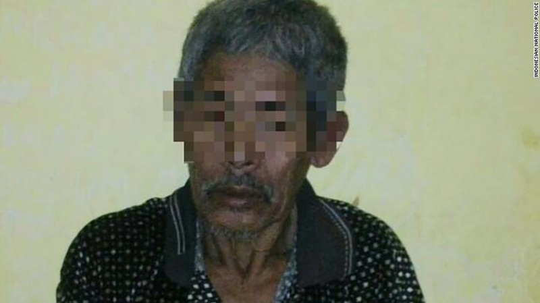 Vị pháp sư 83 tuổi tên Jago, người đã cầm giữ và lạm dụng tình dục cô H trong 15 năm. Ảnh: CNN