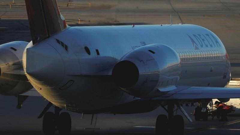 Các hãng hàng không Mỹ có thể sẽ chịu thiệt hại khủng nếu Nga đánh thuế cao thậm chí cấm máy bay Mỹ khai thác không phận Nga. Ảnh: RT
