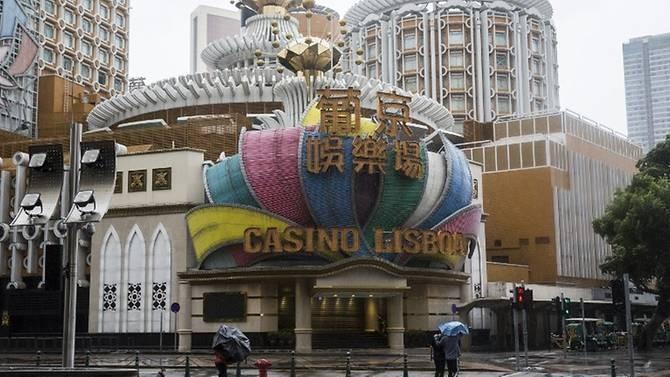 Sòng bài Lisboa ở Macau đóng cửa vì bão Mangkhut tràn vào, ngày 16-9. Ảnh: AFP