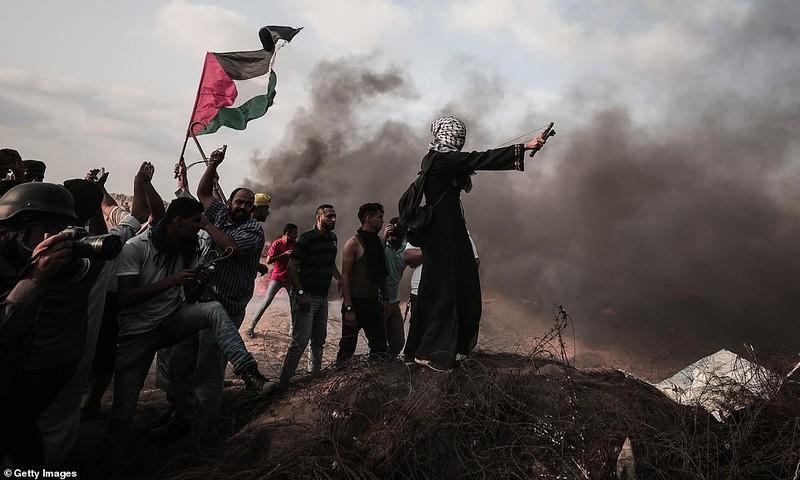 Israel triển khai 60 xe tăng, xe bọc thép đến biên giới Gaza - ảnh 10
