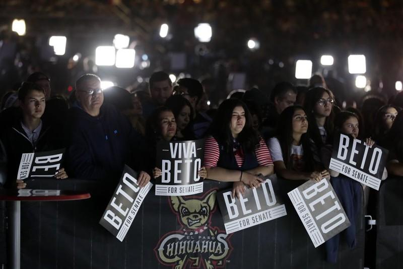 Cử tri Mỹ chờ đợi kết quả bỏ phiếu. Ảnh: GETTY IMAGES