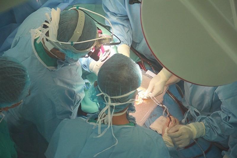 Hành trình đưa trái tim vượt 700 km để ghép cho bệnh nhân - ảnh 4