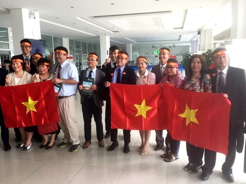 Người Nhật cổ vũ cho U-23 Việt Nam  - ảnh 1