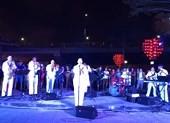 Dân Đà Nẵng hào hứng xem lính hải quân Mỹ biểu diễn