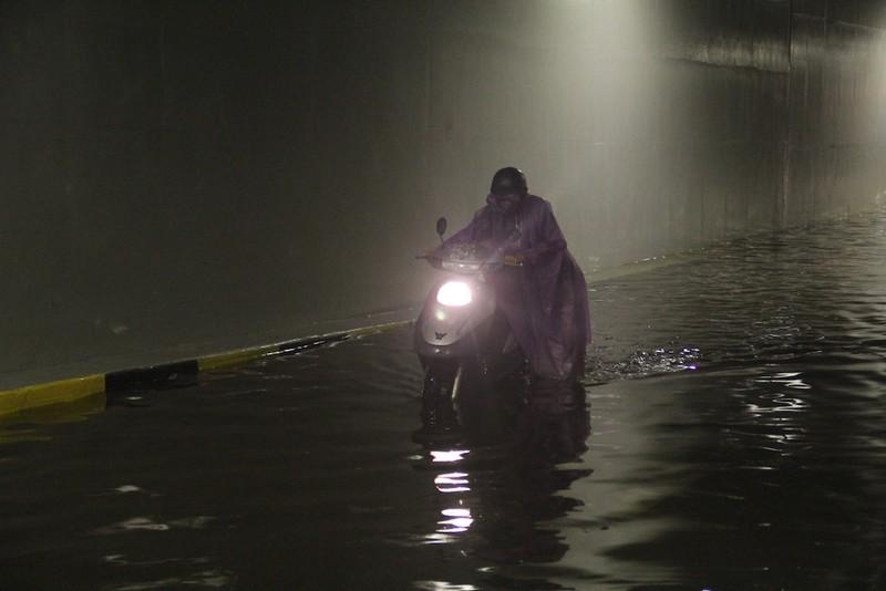 Đà Nẵng: Hầm chui trăm tỉ biến thành sông sau một cơn mưa - ảnh 2