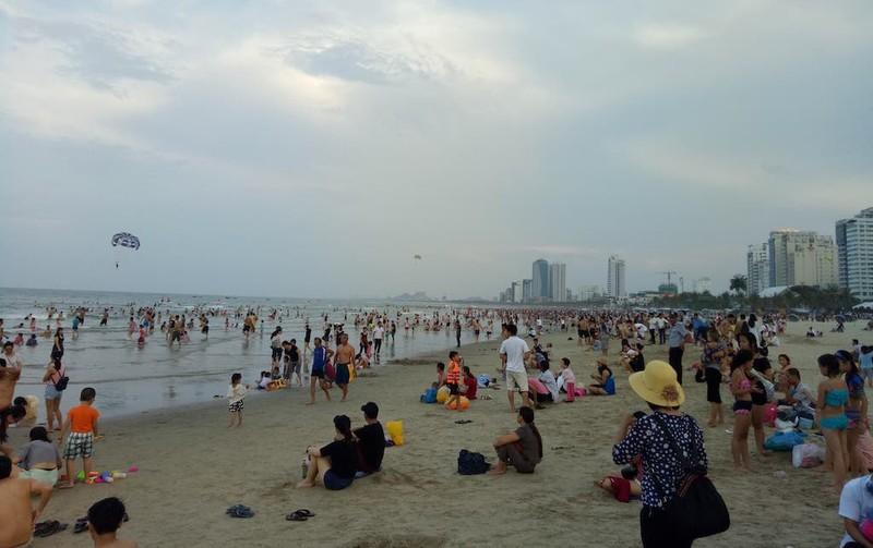 Bùng nổ khách nội địa đến TP Đà Nẵng - ảnh 1