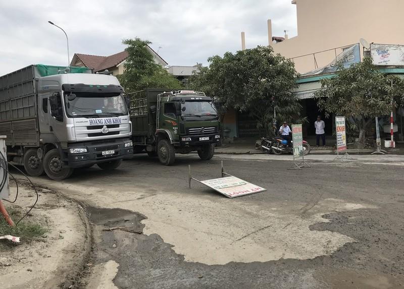 Dân Đà Nẵng lại ra đường chặn xe vì ô nhiễm - ảnh 2