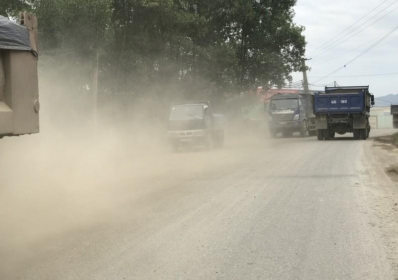 Dân Đà Nẵng lại ra đường chặn xe vì ô nhiễm - ảnh 3