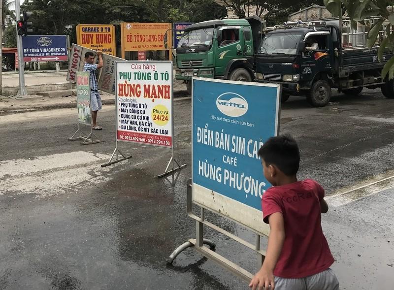 Dân Đà Nẵng lại ra đường chặn xe vì ô nhiễm - ảnh 4