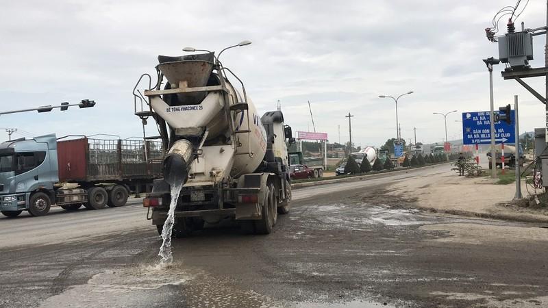 Dân Đà Nẵng lại ra đường chặn xe vì ô nhiễm - ảnh 5