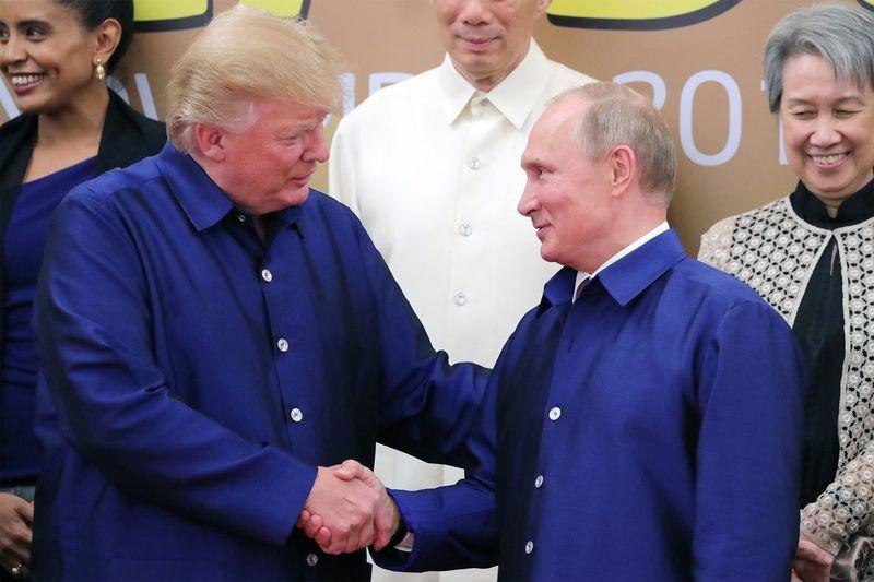 Ông Trump đang trong cảnh 'tứ bề thọ địch'? - ảnh 2