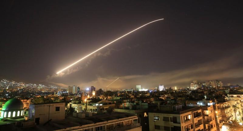 Tướng Mỹ cản ông Trump không kích quân Nga, Iran ở Syria - ảnh 1