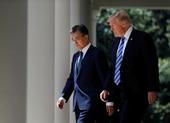 Ông Moon muốn đối thoại Triều Tiên, ông Trump thì không