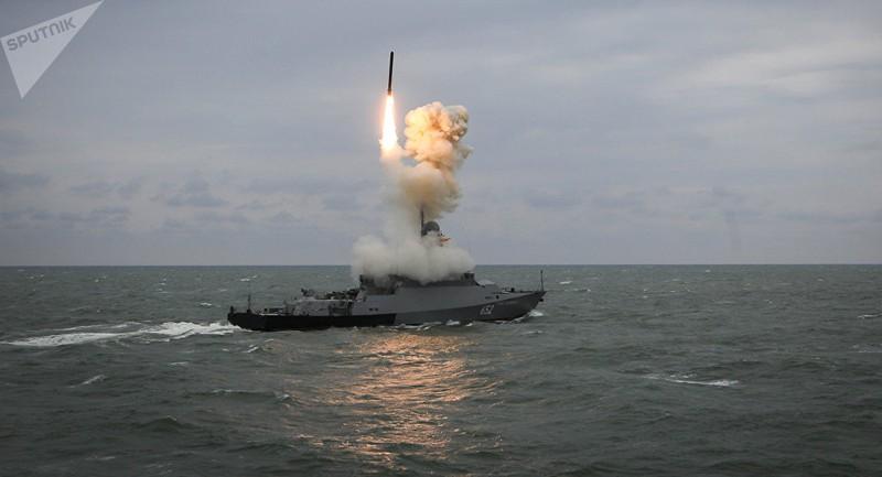 Tàu chiến Nga mang tên lửa sẽ trực chiến 24/7 ở Địa Trung Hải - ảnh 2