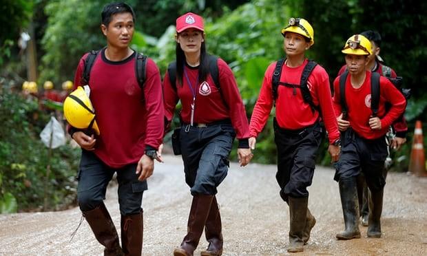 Thái Lan bắt đầu đưa đội bóng mắc kẹt rời hang - ảnh 6