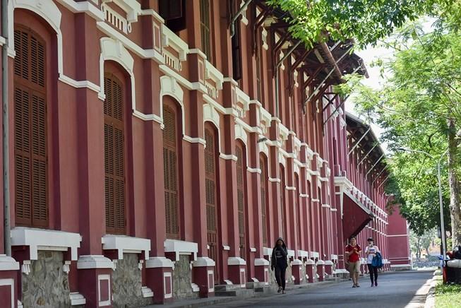 Kiến trúc Pháp ở Huế sao dừng lại ở 27 công trình? - ảnh 1