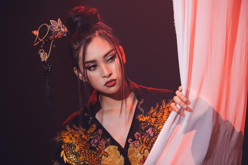 Tiểu Vy mang 'Lạc trôi' của Sơn Tùng đến với Miss World - ảnh 1