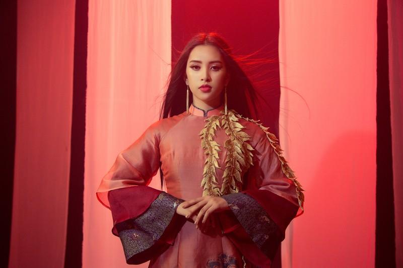 Tiểu Vy mang 'Lạc trôi' của Sơn Tùng đến với Miss World - ảnh 2
