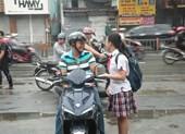 Bố mẹ, thầy cô đồng hành cùng các thí sinh