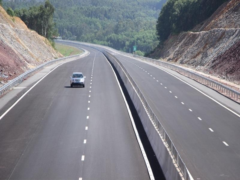 Phát lệnh thông xe toàn tuyến cao tốc đầu tiên của miền Trung - ảnh 2