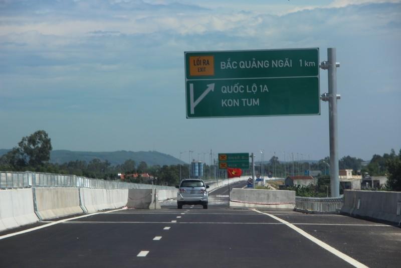 Cao tốc Đà Nẵng-Quảng Ngãi trước giờ thông xe toàn tuyến - ảnh 7