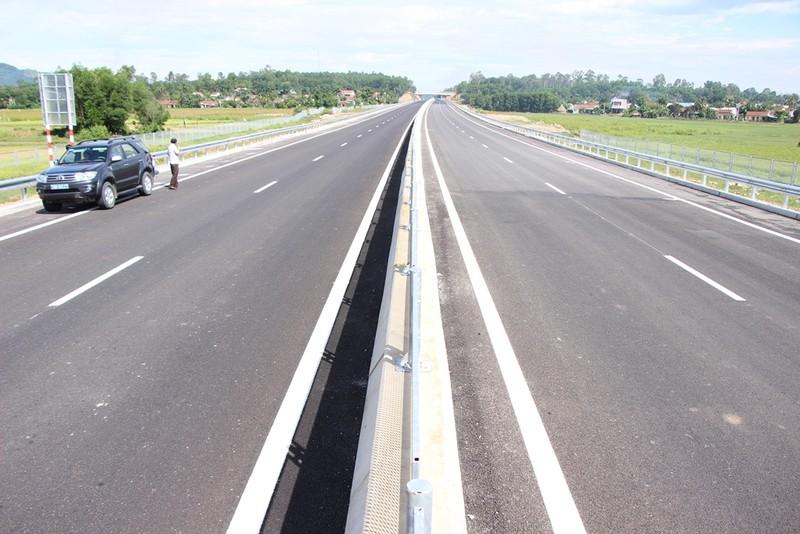 Cao tốc Đà Nẵng-Quảng Ngãi trước giờ thông xe toàn tuyến - ảnh 9