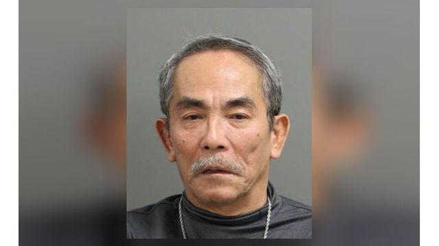 Cảnh sát Mỹ bắt một người gốc Việt đâm anh trai - ảnh 1
