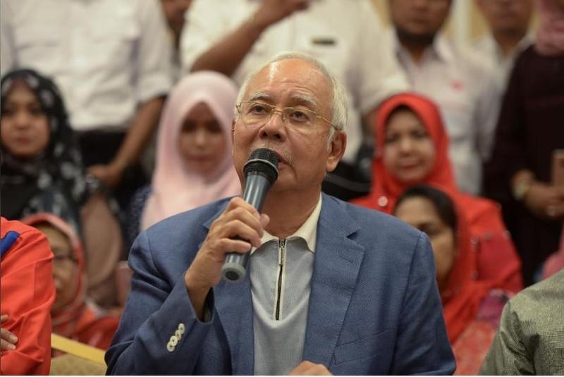 Cựu Thủ tướng Malaysia Najib Razak trong cuộc họp báo ngày 12-5 ở Kuala Lumpur (Malaysia). Ảnh: REUTERS