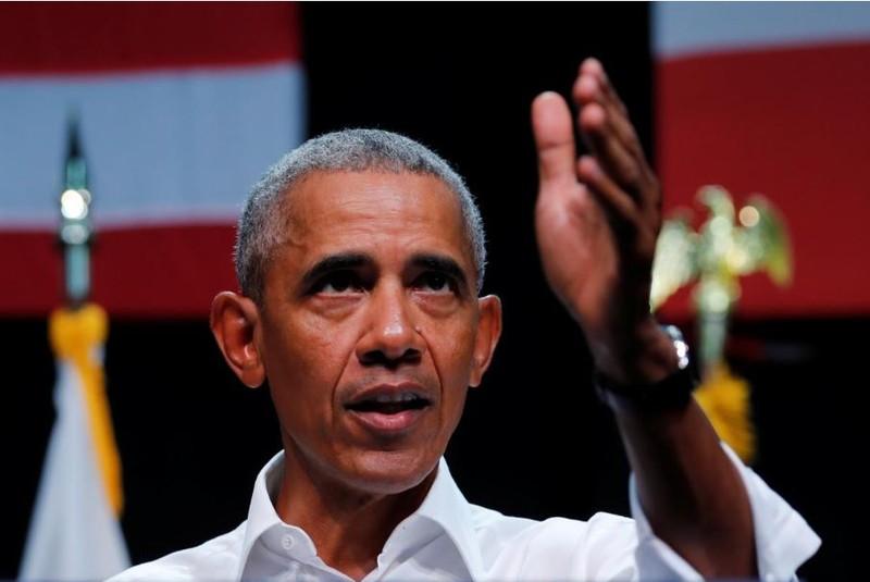 Cựu Tổng thống Mỹ Barack Obama vận động tranh cử cho các ứng viên Dân chủ tham gia cuộc bầu cử giữa nhiệm kỳ sắp tới, tại TP Anaheim, bang California (Mỹ). Ảnh: REUTERS