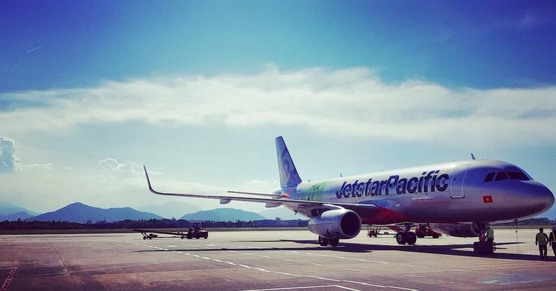 Máy bay quay đầu khẩn cứu thai phụ người nước ngoài - ảnh 1