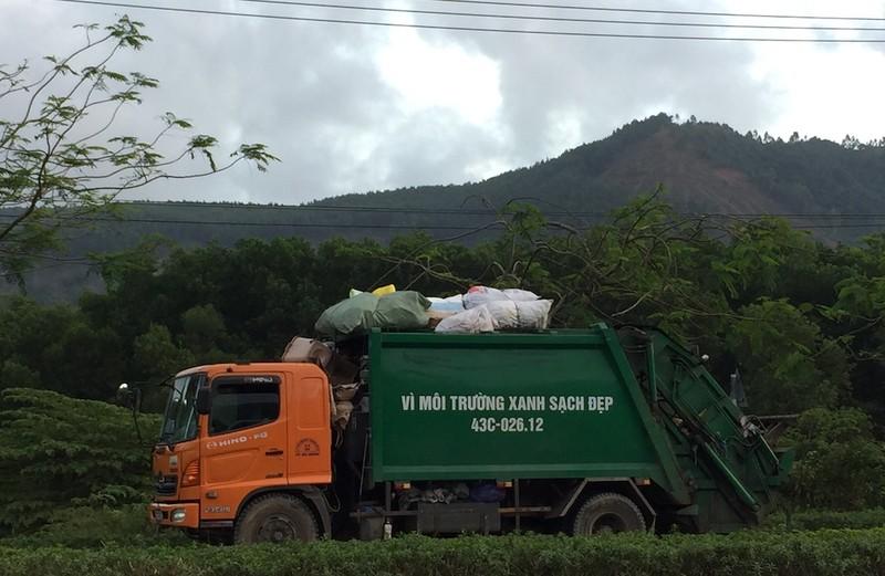Đà Nẵng hỗ trợ tiền tết cho công nhân quét rác - ảnh 1