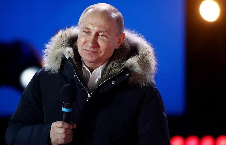 Chiến thắng áp đảo, ông Putin cảm ơn người ủng hộ - ảnh 1