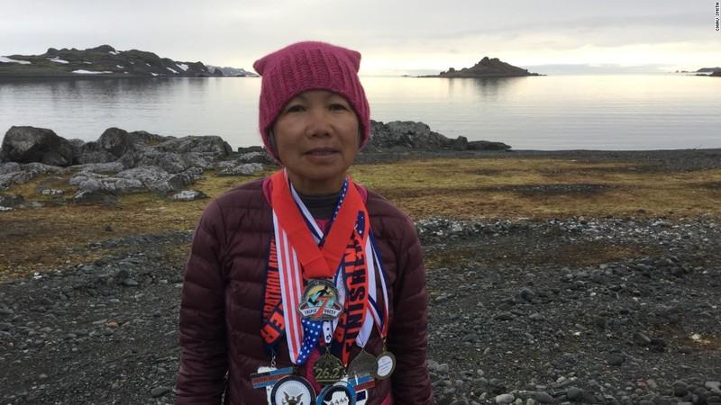 Cụ bà gốc Việt chạy marathon tại 7 lục địa trong 7 ngày - ảnh 1