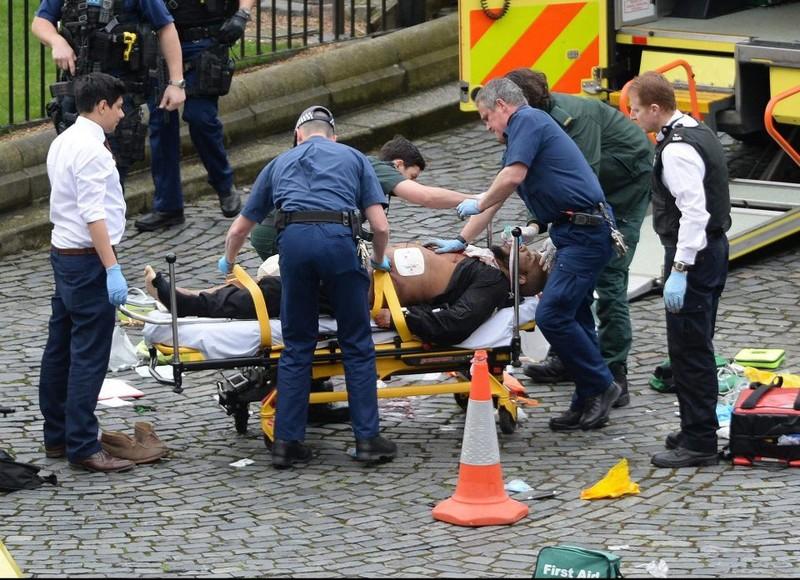 Nghi phạm khủng bố ở Anh là 'người hàng xóm hoàn hảo' - ảnh 1